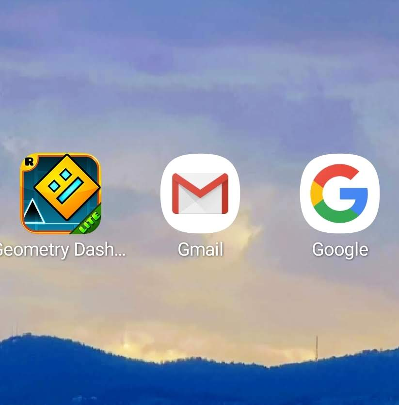 SmartSelect_20190724-223502_Lightning Launcher.jpg